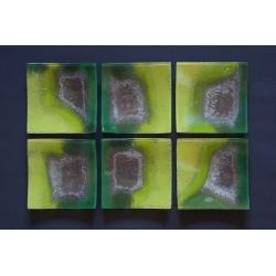 Kwadratowy wygięty talerz - Smugi zielone - 17x17 cm