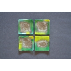 Wygięty kwadratowy talerz - Smugi Zielone - 13x13 cm