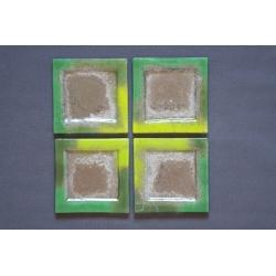 Płaski kwadratowy talerz - Smugi Zielone - 17x17 cm