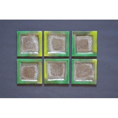 Płaski kwadratowy talerz - Smugi Zielone - 13x13 cm