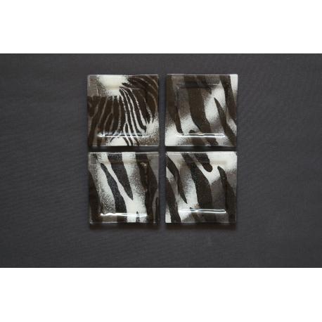 Płaski talerzyk Zebra - 13x13 cm