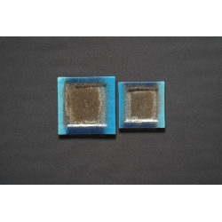 Kwadratowy płaski talerz deserowy Smugi Niebieskie 13x13 cm